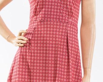 Retro dress with geometric print summer cross