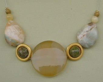 Necklace - necklace - unique in golden yellow with agate