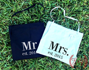 "Couples apron, His hers aprons, Embroidered wedding apron SET of 2 Personalized Aprons ""Mr""  & ""Mrs"" Wedding Shower Gift"