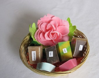 Gift basket with natural soaps and rose-shaped confetti