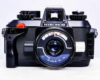 NIKONOS IV-A Underwater Film Camera with W-Nikkor 35mm F/2.5 Lens