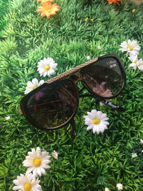 Retro sunglasses 70's aviator