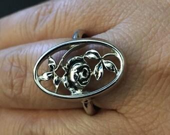 Avon Feminine Flower Rose Ring, Silver Tone