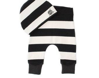 50 Mt-Newborn baby pants and Hat-Black/White Tuutsjes