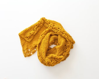 a bright scarf for warm autumn