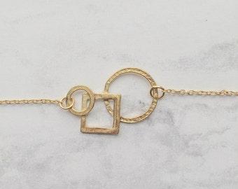 Gëo bracelet  /// Geometric charm and gold metal chain