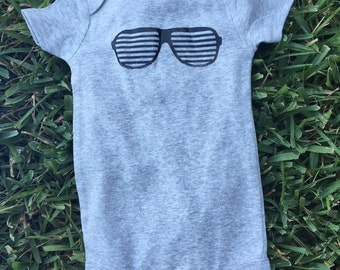 Fading sunglasses onesie size 9 months