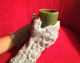 Cable Knit Fingerless Mitts
