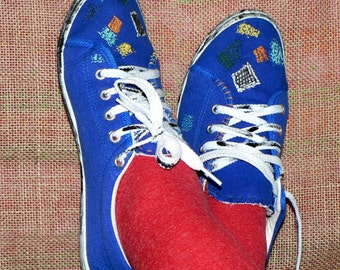 Vintage blue trainers with embroidered applications