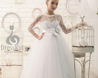 Flower girl dress, vintage flower girl dress, toddler flower girl dress, Junior bridesmaid dress, boho flower girl, girls dress long sleeved