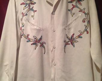 Vintage 1950s Vintage Ranchwear Shirt / Western Shirt / Embroided Cream Shirt / make -Townline Sportswear  M
