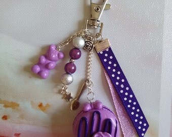 Bag / key macaroon with cassis, Fimo