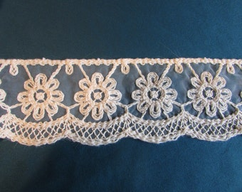 """Beautiful Vintage Ivory/Cream Cotton and Nylon Trim 3"""" Wide, By The Yard  013"""