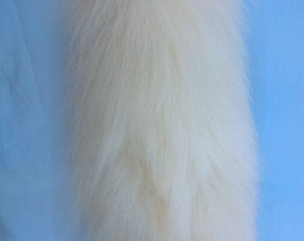 """Fluffy Wolf Tail (15"""")"""