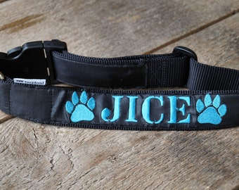 """Wide collar with """"name"""" for dog"""