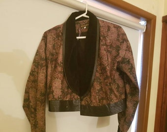 Sale--VINTAGE 80s Bomber Jacket / Cropped / Great Condition
