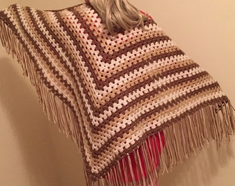 handmade crochet shawl/ brown crochet shawl/tricolor shawl/chal a crochet/ estola triangular a crochet