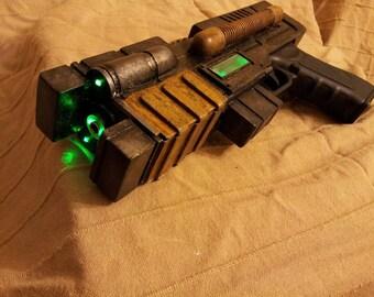 Fallout. New Vegas. Plasma Defender, GRA, airsoft shell, props