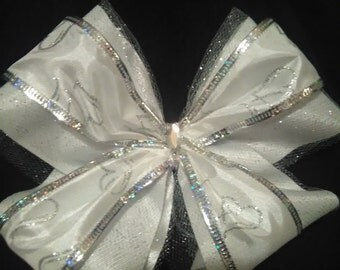 Elegant hair bow