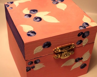Wooden blueberry box - perfect for little items