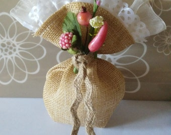 colored burlap and lace