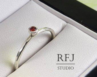 Hammered Lab Garnet Silver Ring, Dark Red CZ 2 mm Medium Texture Sterling Ring Simulate Garnet Gemstone Textured Ring Dark Red CZ 925 Silver