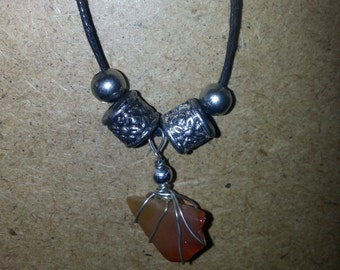 Crystal pendent necklace