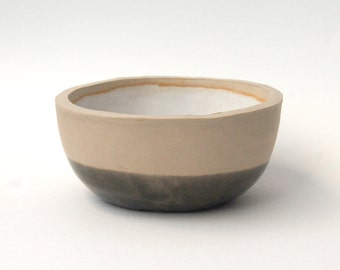 Hand made bowl with grey glaze, perfect for succulents or other plants.