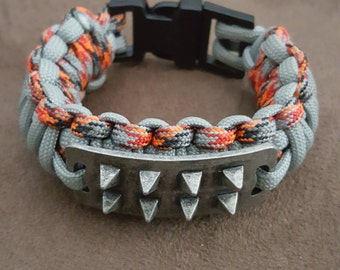 "6"" cobra braid Paracord bracelet with spikes"