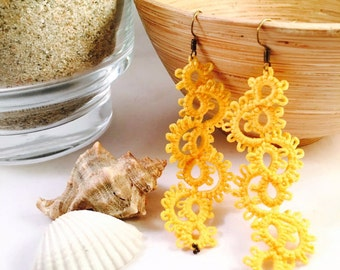 Hand crafted tatted lace tatting with perline\lace yellow beads\orecchini yellow earrings\color earrrings with variants\personalizable