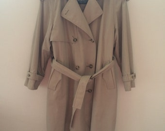 Stunning Vintage Trench coat by London Fog