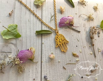 Hamsa pendant, Hamsa necklace, good luck jewelry, gold Hamsa charm, bridesmaid gift, lucky jewelry, birthday gifts, wedding gift