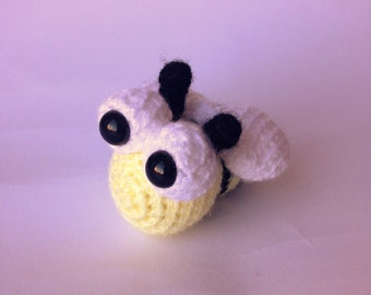 Crocheted animal Bertie Bee
