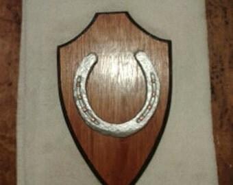 Lucky horseshoe plaque