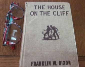 Hardy Boys Mystery Book The House On The Cliff  F. W. Dixon- 1927