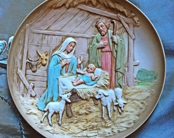 Beautiful Homco Nativity Plate - Raised/Embossed Figures