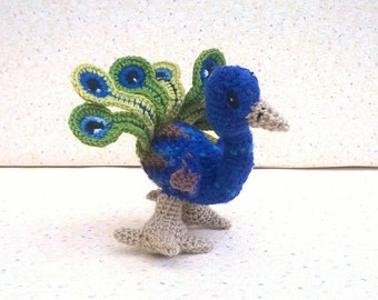 Eon eon! Small blue peacock blue and green feathered type calms amigurumi hand crocheted