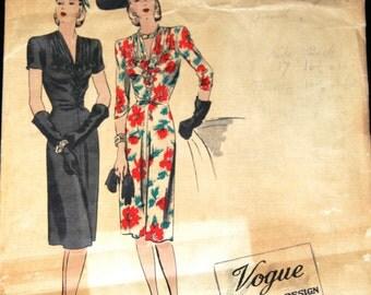 1940s WW2 Vintage VOGUE Sewing Pattern B36 DRESS (1122) Vogue 360