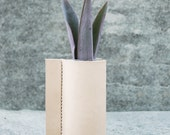 Pinch - Leather Vase