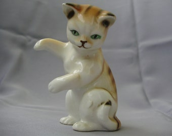 Vintage porcelain animal figurine,little cat  ,handpainted,фарфоровый кот
