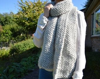 homemade 100% woolen scarf