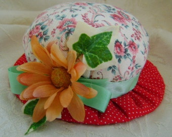Red Hat Pin Cushion