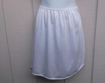 Vintage 70s White Nylon Mini skirt Half Slip // sz sml - med