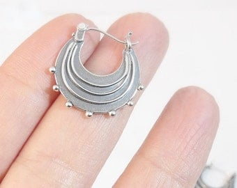 Silver Earrings, Sterling Silver Hoop Earrings, Round Silver Earrings, Silver Hoops, Small Raindrop Earrings, Handmade Earrings