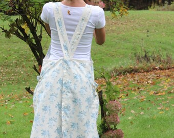 SAMPLE SALE, Size Small, No Ties Apron in Blue Floral Toile