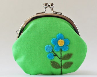 Kiss lock coin purse, turquoise blue flower on apple green, coin purse, change purse, green coin purse, retro flower, retro mod, 1960s 1970s