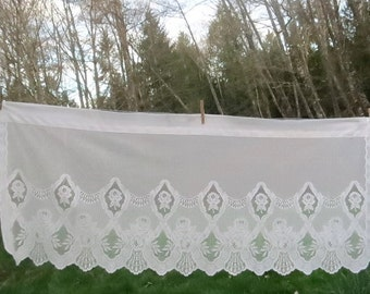 "Vintage White Lace Scalloped Floral Roses Curtain Valance 54"" Wide x 23"" L"
