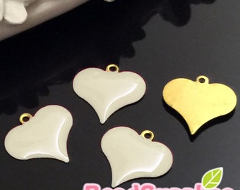 CH-EX-08138OW-  Raw Brass,Dangling heart charm, off white, 6 pcs