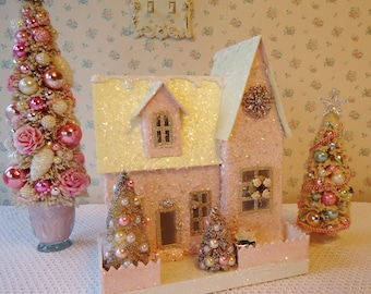 PINK Putz House - Shabby Christmas, Lights up!