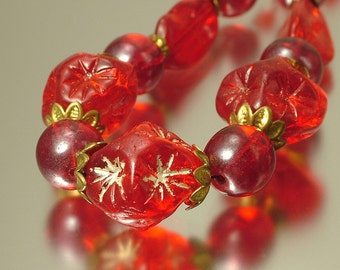 Vintage/ estate 1940s/ 50s kitsch, retro, bright red glass bead, star, costume necklace - jewelry jewellery UK seller